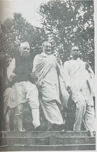 200px-Sheikh,Nehru_and_Badshah_Khan_1945